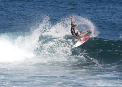14_Surfing
