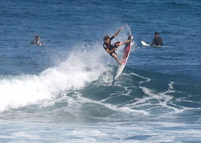 17_Surfing