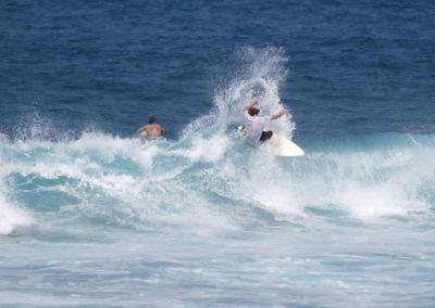 21_Surfing