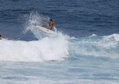 22_Surfing