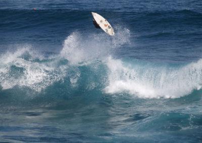 35_Surfing