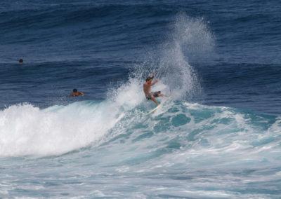 38_Surfing