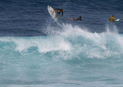 43_Surfing