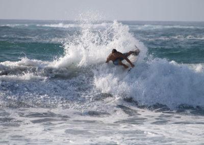 46_Surfing