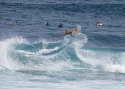 52_Surfing