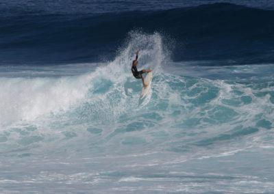 57_Surfing